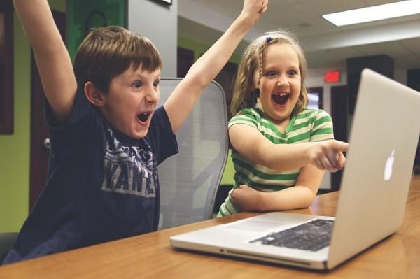 Новите технологии подпомагат обучението по английски